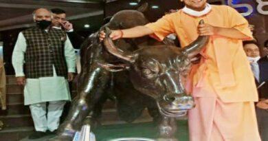 योगी पहुंचे मुम्बई तो फड़फड़ा उठी शिवसेना योगी के मंत्री ने दिया यह जवाब